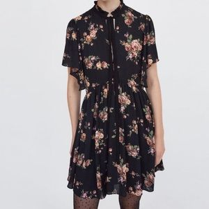 🌻ZARA Black Floral Bell Sleeves, Flowy Midi Dress